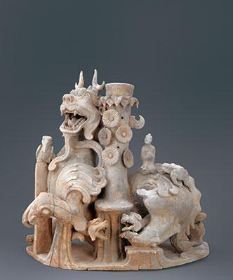 蜀の独特な信仰を示す怪獣型の台座 重慶市文物考古研究所蔵