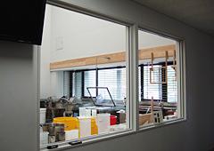 文化財保存修復施設窓